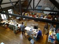 équipe de mycologistes en travail à la ferme château de Dourbes