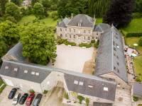 Cour intérieure à la ferme chateau de Dourbes