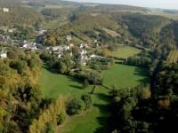 Dourbes, Viroinval Vue aérienne du village (@ftpn :Aerialmedia)