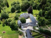 Vue aérienne de la ferme château de Dourbes