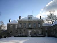 Cour de la ferme château de Dourbes