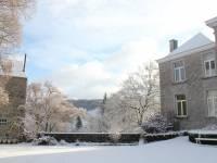 La ferme-château sous la neige