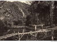 Pont construit par les scouts en 1951 sur le Viroin à Dourbes